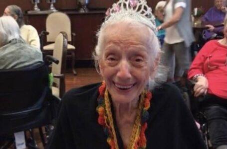 Após se curar da gripe espanhola e do câncer, idosa de 102 anos vence duas vezes a Covid-19