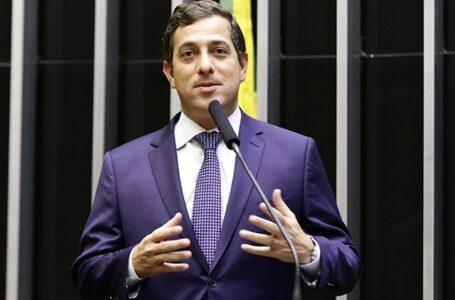 Deputado Gervásio Maia vota contra congelamento do piso salarial dos professores da educação básica