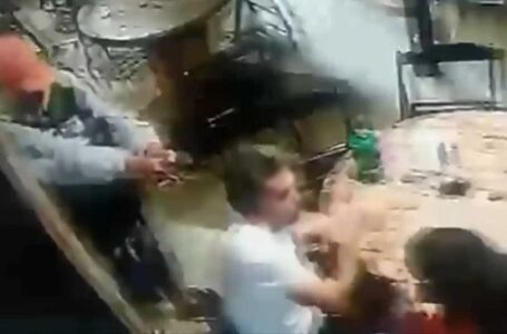 VÍDEO: Homem tenta matar professor dentro de bar e arma falha três vezes;