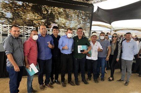 Prefeito Chico Mendes e vereadores prestigiam inauguração do trecho da transposição no município de São José de Piranhas